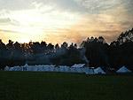 Vojenský tábor na bojišti. Foto Piechotawybraniecka.